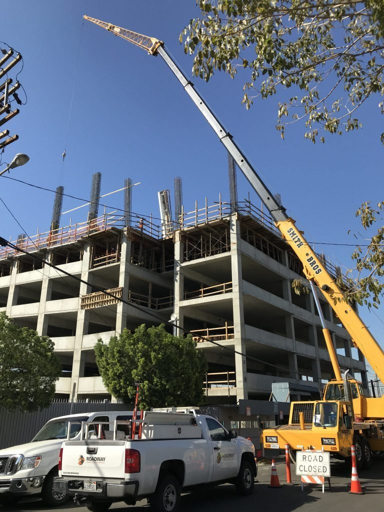 who rents cranes in socal?