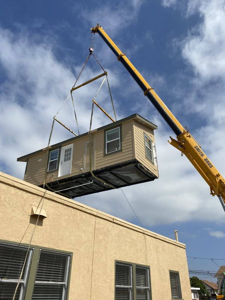 we move houses by crane