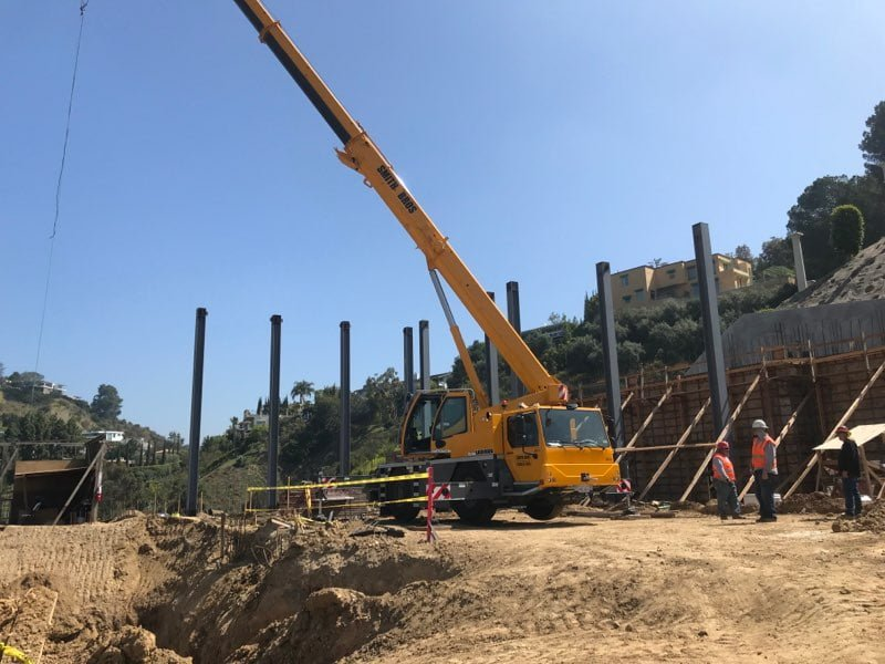 crane rental for construction projects
